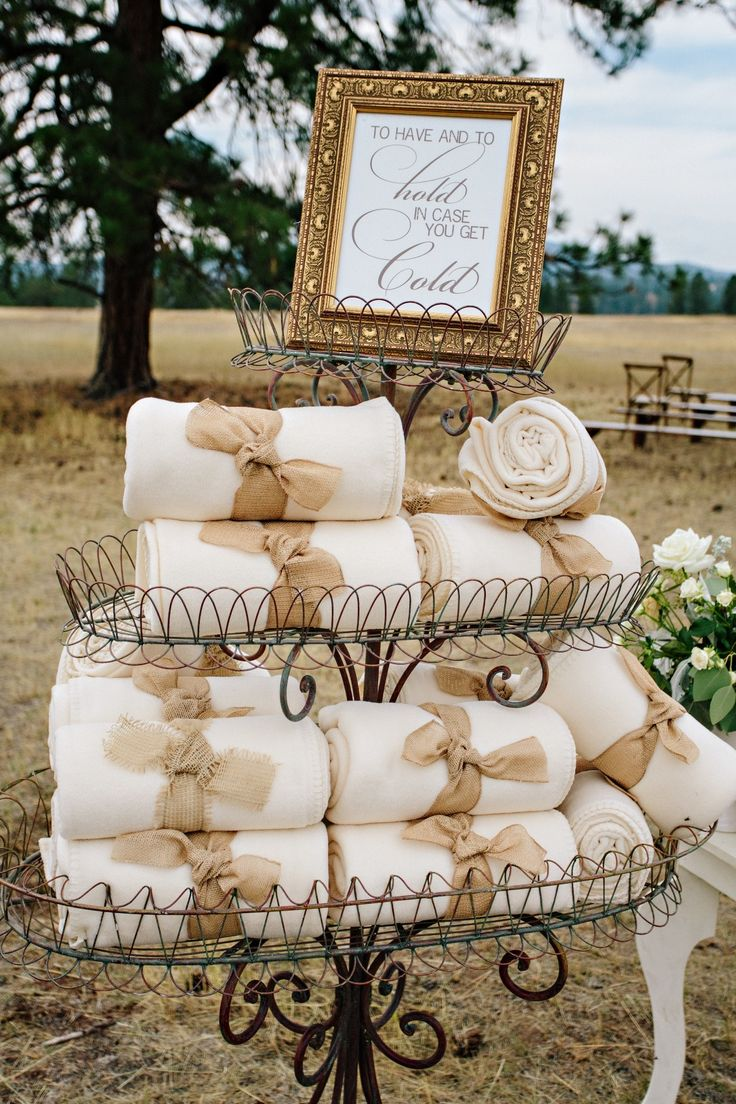 Outdoor fall wedding ideas ceremony