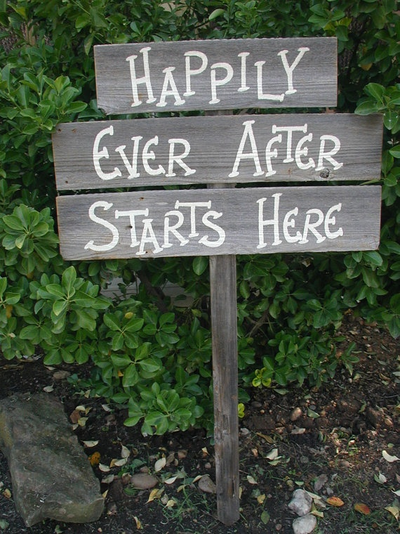 Totally Romantic DIY Wedding Sign idea!