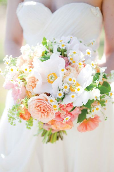 in-season Spring wedding bouquet