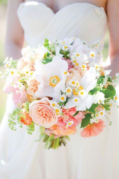 in-season Spring wedding bouquet