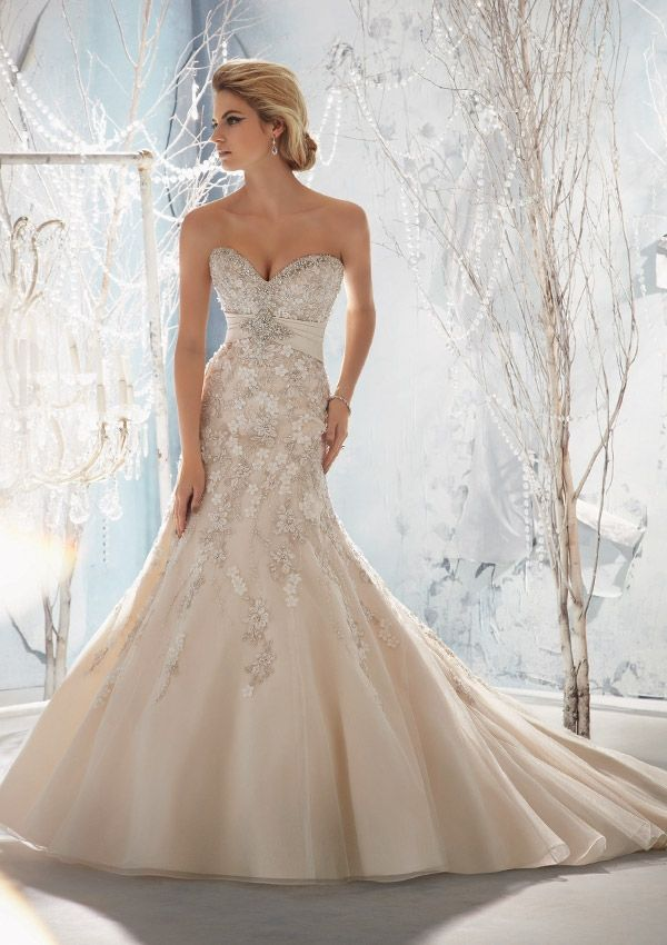 fitted sweetheart wedding dresses with beading on top