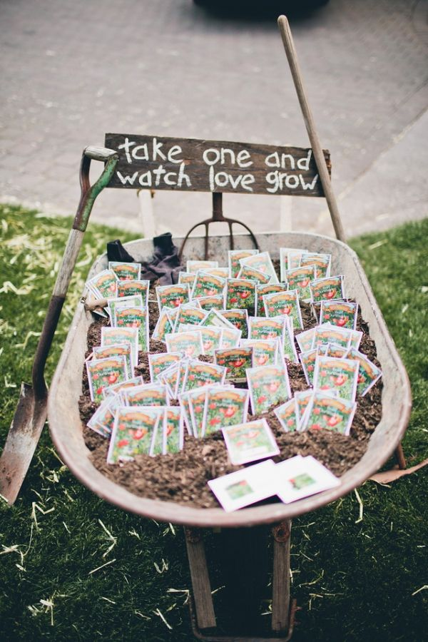 Super affordable spring wedding favor ideas!