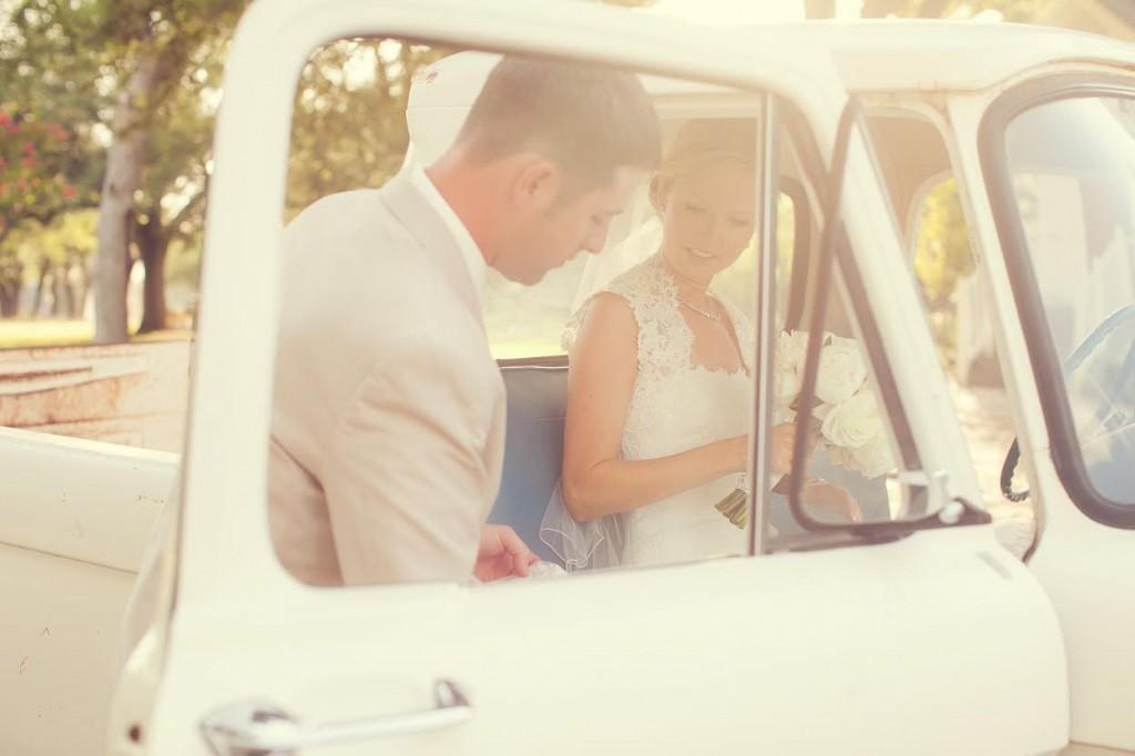 Vintage car wedding idea