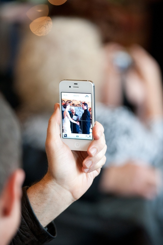 iPhone wedding etiquette