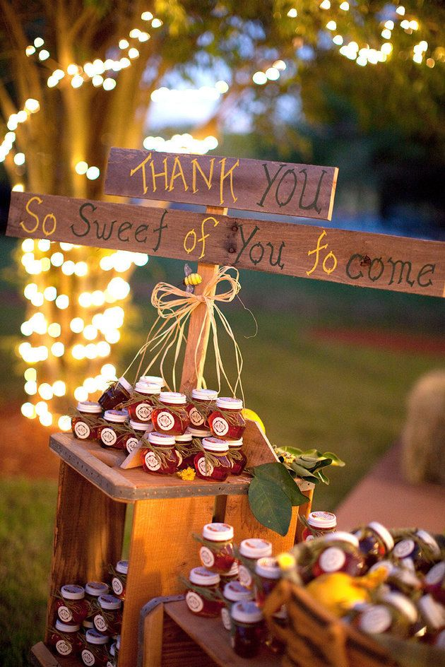 rustic wedding ideas favors jam