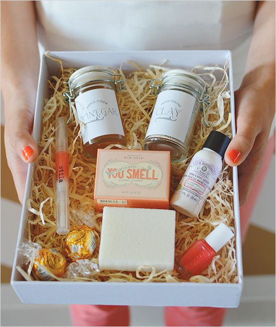 Engagement Party Gift Ideas: Thoughtful Bridesmaid Gift Ideas