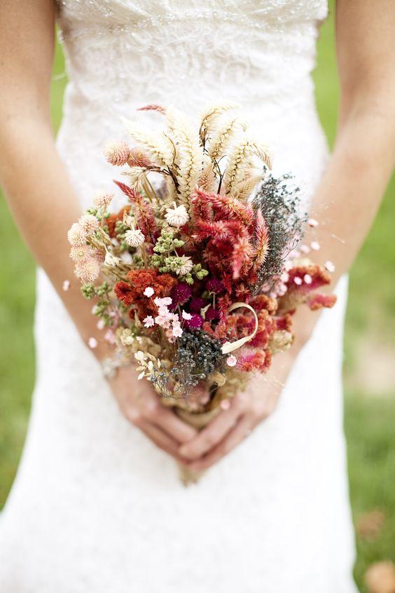 affordable wedding bouquets affordable wedding planning tips weddingmix 1220