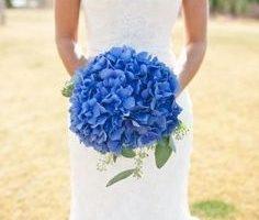 cobalt blue summer wedding bouquet idea