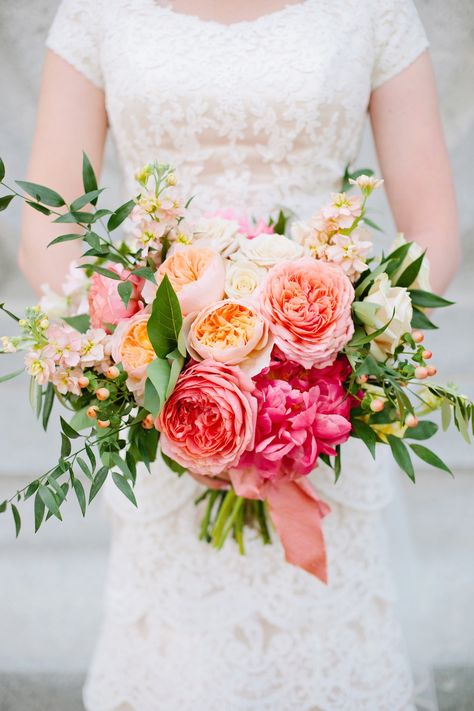 16 freshest wedding bouquet ideas for every season weddingmix blog spring wedding bouquet ideas mightylinksfo