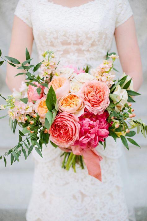 16 freshest wedding bouquet ideas for every season weddingmix blog. Black Bedroom Furniture Sets. Home Design Ideas