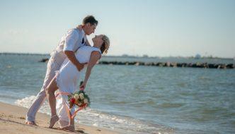 5 Super Secret Honeymoon Planning Tips from the Pros