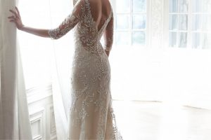 wedding planning tips dress fitting