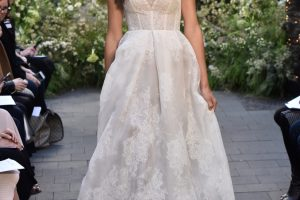 Monique Lhuillier Bridal Spring 2017