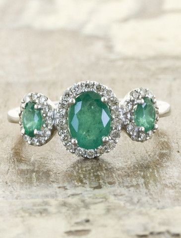 emerald green color engagement ring