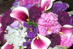 Summer Flower Bouquets - Lisianthus and Carnations