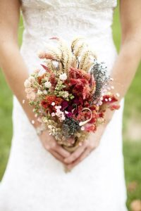 affordable wedding ideas - dry_bouquet