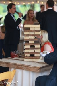 affordable wedding ideas - jenga