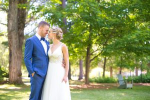Muskoka wedding video - Lauren and Wade kiss