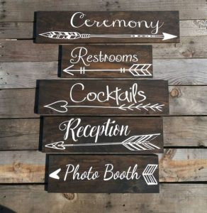 rustic wedding signs rustic wedding DIY ideas you can actually do