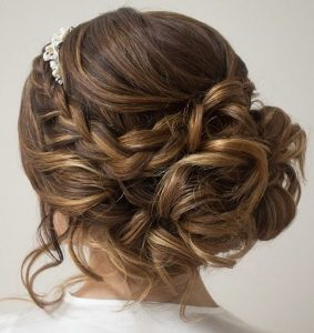pretty wedding hair bun