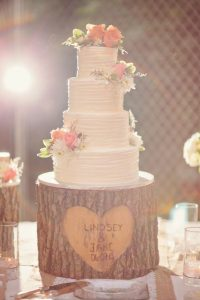 rustic wedding DIY ideas you can actually do - rustic wedding cake tree stump
