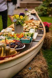 outdoor wedding buffet - outdoor wedding inspiration