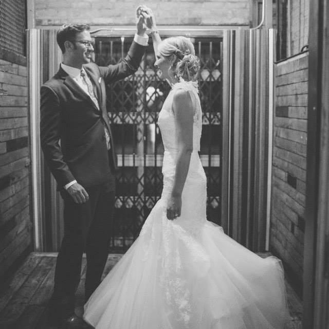 sneak away wedding photo ideas